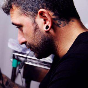 Manu Prieto tatuador Full Color Tattoo Piercing